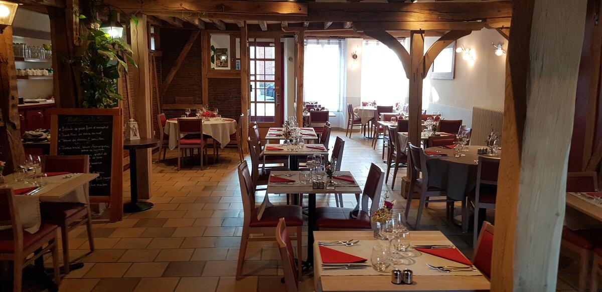 Auberge-du-Cheval-Blanc-Charny-4
